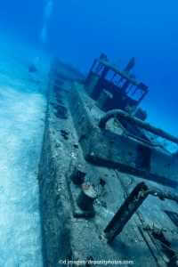 Geunkenes Schiff am Bermudadreieck
